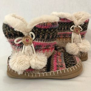 Hard bottoms slipper boots size 5-6 mad love